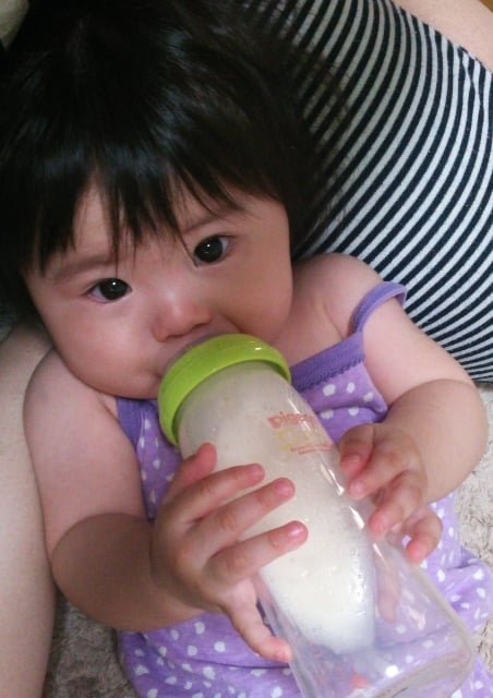 赤ちゃんがお乳を<strong>飲む</strong>夢