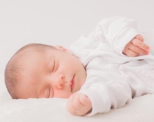 赤ちゃんがスヤスヤ眠っている夢