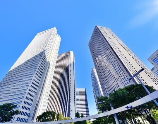 近代的な高層ビルの夢