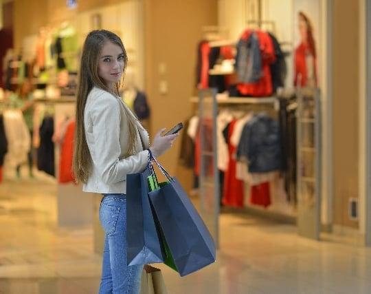 ショッピングモールで買い物をする夢