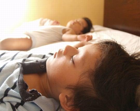 熟睡している子供の夢