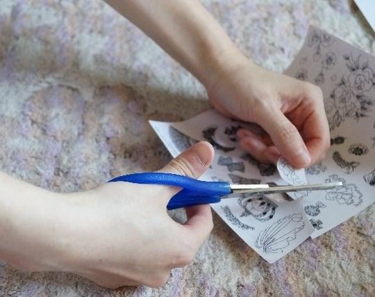 紙を切る夢