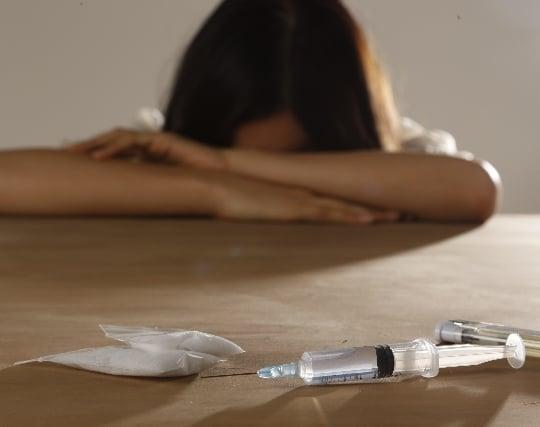 麻薬や覚せい剤を使用する夢