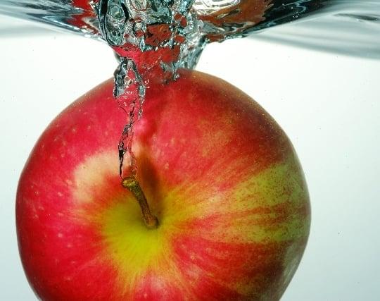 果実が木から落ちる夢