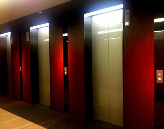 エレベーターが落ちる夢