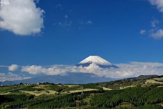 富士山に白い雲がかかる夢