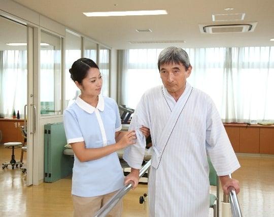 病院でリハビリする夢