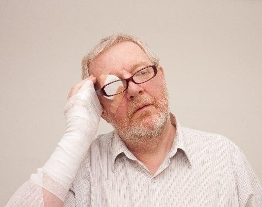目を手術する夢