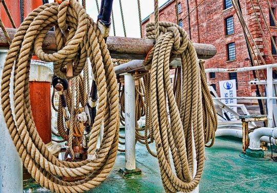 整然とまとめられたロープの夢