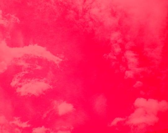 血のように真っ赤な空の夢