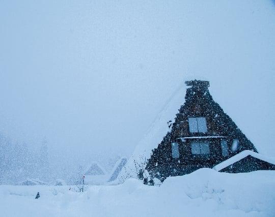 深々と降り積もる雪の夢