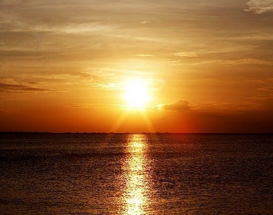 夕日が沈む夢