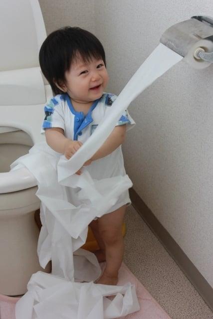 トイレが使用中の夢