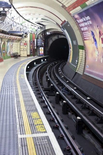 地下鉄に乗る夢