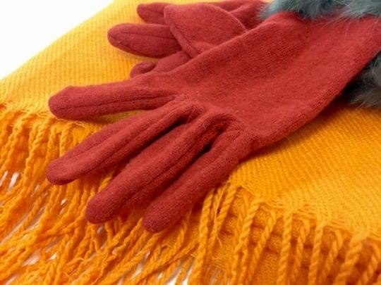 暖かい手袋と<strong>マフラー</strong>の夢
