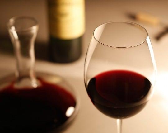赤ワインを飲む夢