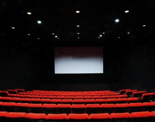 立派で綺麗な映画館の夢