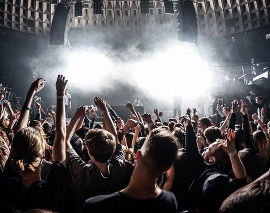 コンサートを開く夢