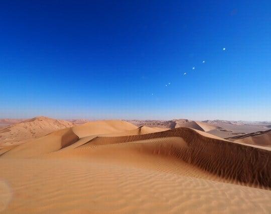 砂漠に一人でいる夢