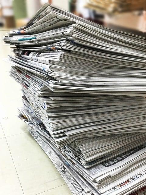 古新聞が溜まっている夢
