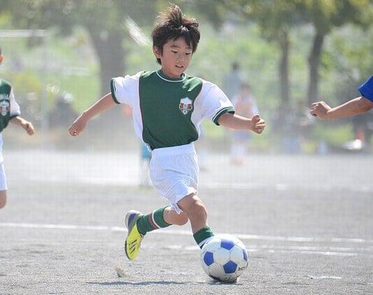 サッカーの試合で大活躍する夢