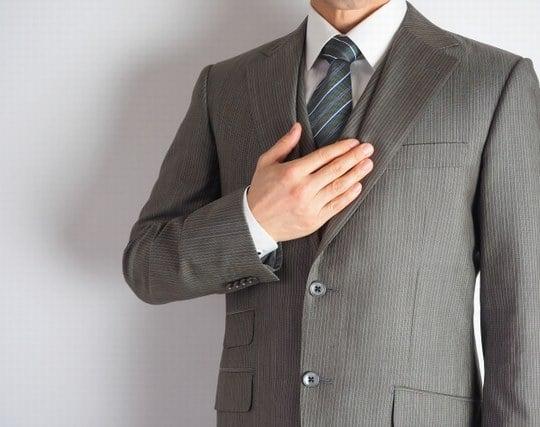 新しいスーツを着ている夢