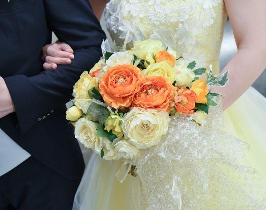 自分の結婚式のブーケが印象的な夢