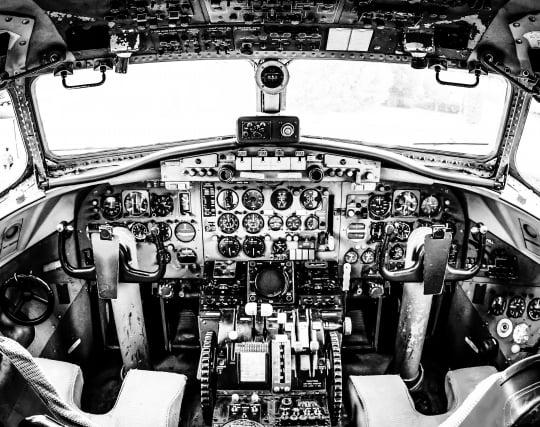飛行機を操縦する夢