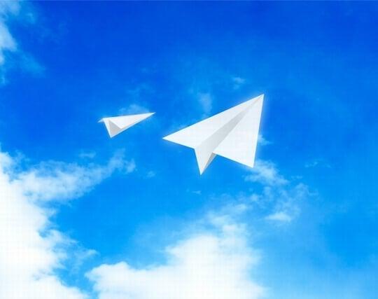 紙飛行機が飛ぶ夢
