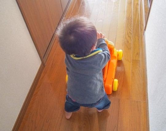 赤ちゃんが<strong>歩く</strong>夢