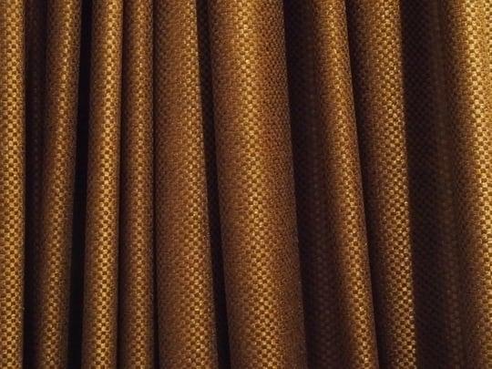 茶色のカーテンの夢