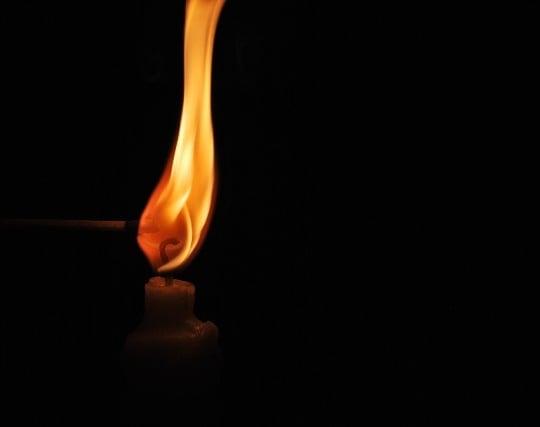よく燃えるロウソクの夢