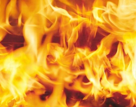 燃え盛る炎の夢