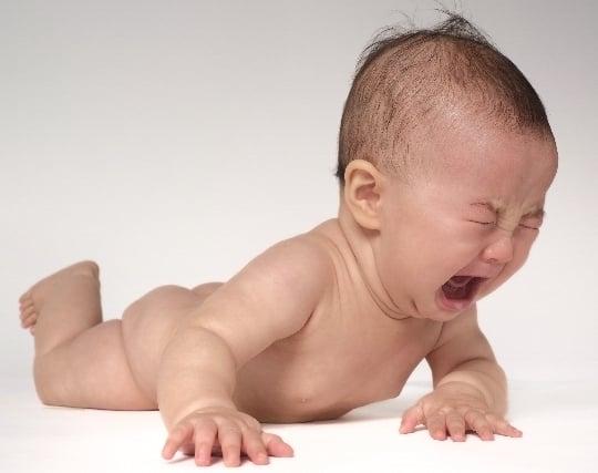 自分が<strong>赤ちゃん</strong>になって泣く夢