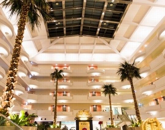 ホテルの豪華なエレベーターの夢