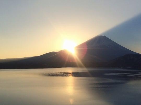 富士山から朝日が<strong>昇る</strong>夢