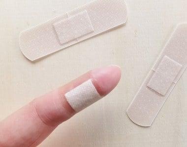 ナイフで指を怪我する夢