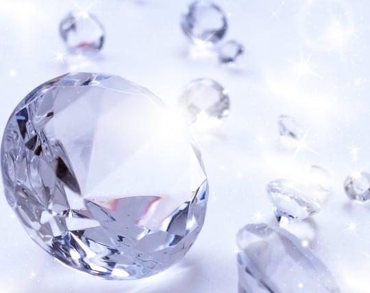 美しいダイヤモンドが現れる夢