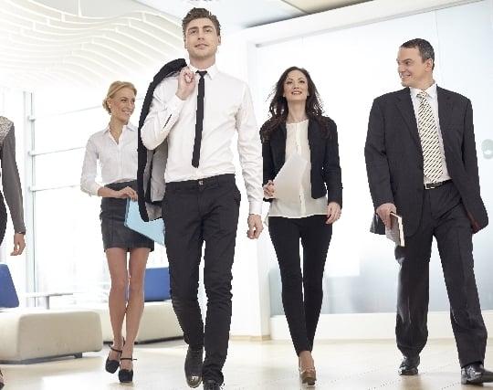 てきぱきと仕事をこなすビジネスマンの夢