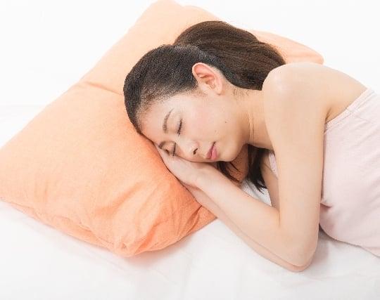 枕をプレゼントされる夢
