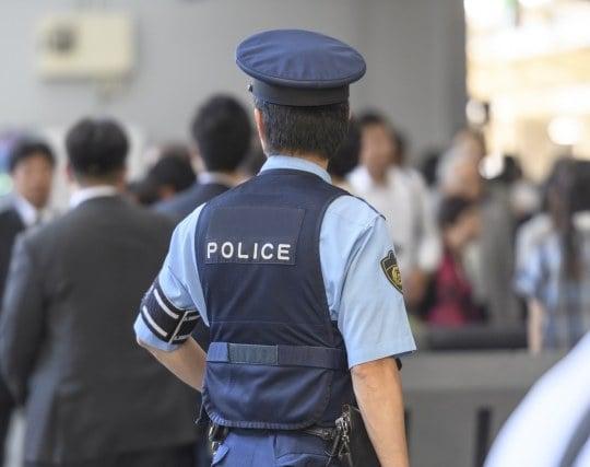 警察官が現れる夢
