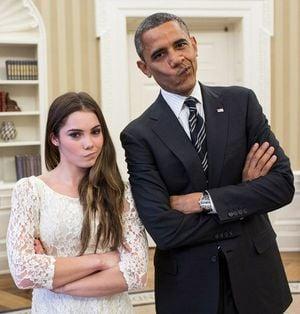 バラク・オバマ大統領と体操選手のマッケイラ・マロニー