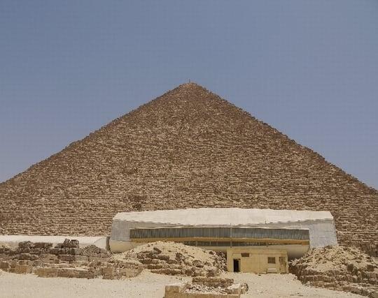 ピラミッドを見る夢