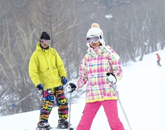 スキーで気持ちよく滑る夢