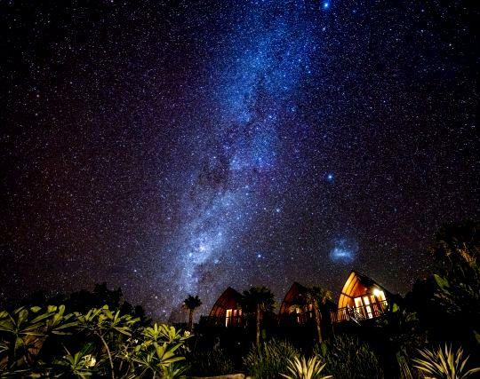 星が列をなして連なる夢