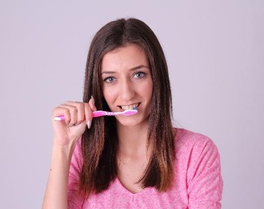 歯を磨いて綺麗な歯になる夢