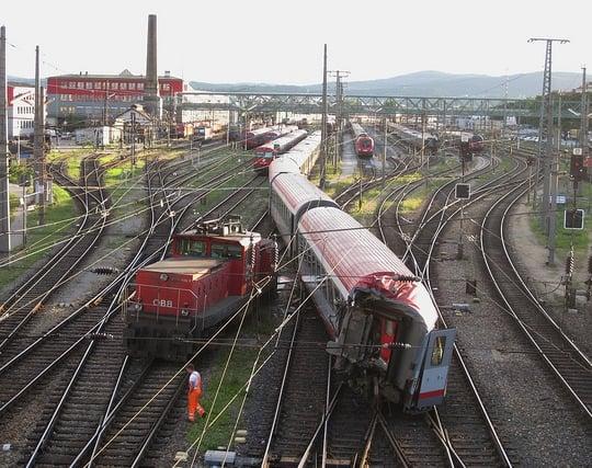 電車が<strong>事故</strong>を起こす夢