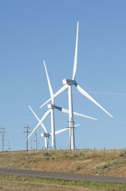 風車が順調に<strong>回る</strong>夢