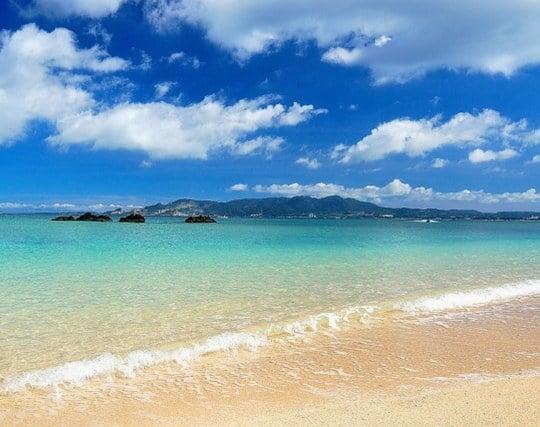 美しい砂浜にいる夢
