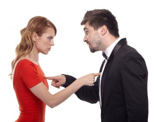 同僚と喧嘩する夢